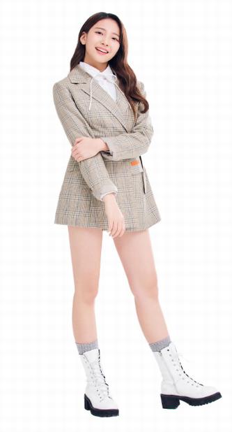 NiziU(ニジュー)のマユカのかわいい画像集!スタイルが良くて足が長い!