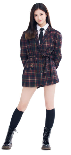 Niziu(ニジュー)のリマ(横井里茉)のかわいい画像集!スタイルが良くて足が長い!