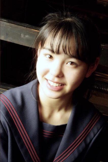 Niziu(ニジュー)のマコ(山口真子)の高校・中学校はどこ?学歴をチェック!