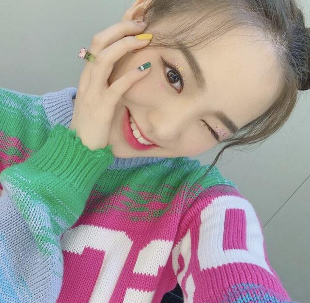 NiziU(ニジュー)リオの表情七変化!笑顔・ウインク・綺麗な横顔にも注目!