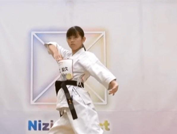 Niziu(ニジュー)のリク(大江梨久)のかわいい画像集!スタイルが良くて足が長い!