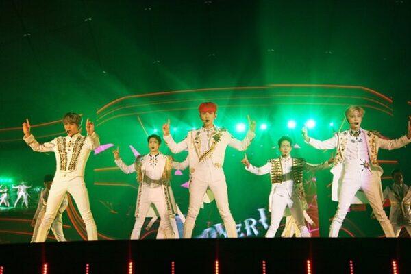 SHINee(シャイニー)ルシファーの日本語歌詞と掛け声紹介!ダンスが素敵!振付師は誰?